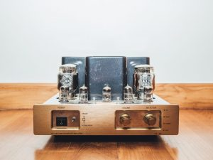 Why Choose a Valve Amplifier? Tube Amp FAQ's Featured Image