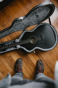 Which airlines can i take my guitar on featured image