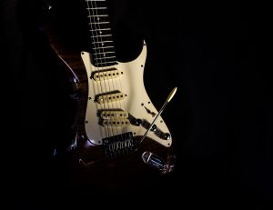 do i need a guitar with a locking tremolo system featured image