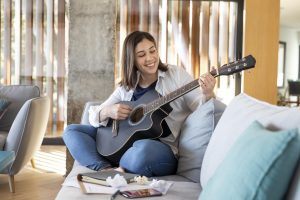 Can you teach yourself the guitar effectively?